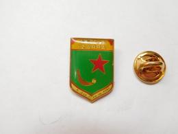 Beau Pin's , Pelote Basque , Goizeko Izarra , Saint Jean Pied De Port - Badges