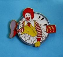 1 PIN'S //  ** RONALD / CLOWN McDONALD'S / Tirage 200 ** . (McDonald's® Made In U.S.A. Set Of 200) - McDonald's