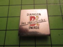718a Pin's Pins / Beau Et Rare : Thème MARQUES / DIAPASON LES SPECIALISTES BI-ENERGIE Par PICHARD SAUMUR - Trademarks