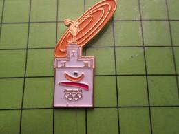 718a Pin's Pins / Beau Et Rare : Thème JEUX OLYMPIQUES / SERIE RARE ET PEU VUE BARCELONE 1992 PODIUM FRISBEE JAUNE - Olympic Games