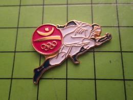 718a Pin's Pins / Beau Et Rare : Thème JEUX OLYMPIQUES / SERIE RARE ET PEU VUE BARCELONE 1992 ATHLETISME SPRINT - Olympic Games