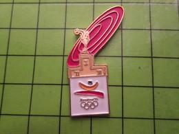 718a Pin's Pins / Beau Et Rare : Thème JEUX OLYMPIQUES / SERIE RARE ET PEU VUE BARCELONE 1992 PODIUM ET FRISBEE ROUGE - Olympic Games