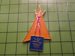 718a Pin's Pins / Beau Et Rare : Thème JEUX OLYMPIQUES / SERIE RARE ET PEU VUE BARCELONE 1992 MEDAILLE D'OR - Olympic Games