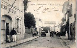 17 - SAUJON --  Gendarmerie Et Route De Saintes - Saujon