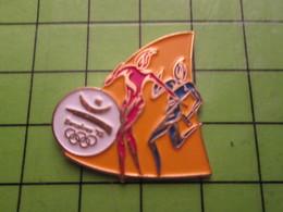 718a Pin's Pins / Beau Et Rare : Thème JEUX OLYMPIQUES / SERIE RARE ET PEU VUE BARCELONE 1992 COURSE DE RELAIS - Olympic Games