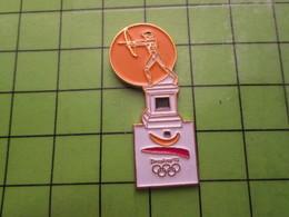 718a Pin's Pins / Beau Et Rare : Thème JEUX OLYMPIQUES / SERIE RARE ET PEU VUE BARCELONE 1992 TIR A L'ARC A OILPé - Olympic Games