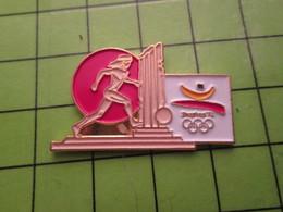 718a Pin's Pins / Beau Et Rare : Thème JEUX OLYMPIQUES / SERIE RARE ET PEU VUE BARCELONE 1992 FOOTBALL  A OILPé - Olympic Games