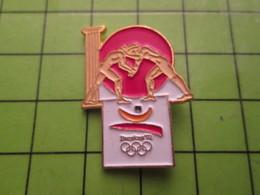 718b Pin's Pins / Beau Et Rare : Thème JEUX OLYMPIQUES / SERIE RARE ET PEU VUE BARCELONE 1992 LUTTE A OILPé - Olympic Games