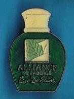 PIN'S //   ** ALLIANCE / DE FABERGÉ // EAU DE SOINS // DÉODORANT ** - Perfume