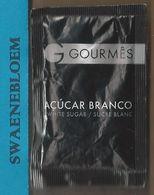 Suikerzakje.- 1 X Sachet De Sucre. Portugal GOURMES ACUCAR BRANCO WHITE SUGAR / SUCRE BLANC. LISBAO - Sugars