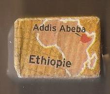 Suikerklontje.- Suiker Klontje Sucre Enveloppe. SAINT LOUIS ADDIS ABEBA ETHIOPIE Arabica. 6e Producteur Mondial De Cafe - Sugars
