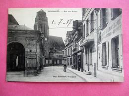 BOURGUEIL Rue Des Halles En 1917 - Autres Communes