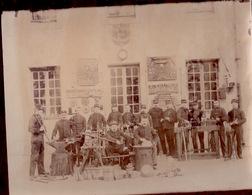 PHOTOGRAPHIE (24X20) 69 Ieme Régiment D'Infanterie  Atelier Des Armuriers  1894 - Documents