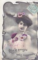 """CARTE FANTAISIE . CPA . PORTRAIT DE FEMME  """" QUE LA PENSEE NOUS RAPPROCHE """". ANNEE 1906 - Femmes"""
