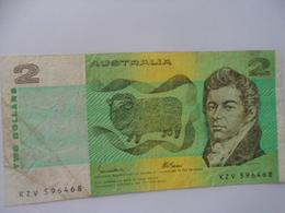 Australia : 2 Dollars - Local Currency
