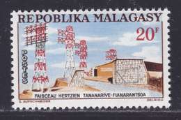 MADAGASCAR N°   377 ** MNH Neuf Sans Charnière, TB (D7540) Faisceau Hertzien 1963 - Madagaskar (1960-...)