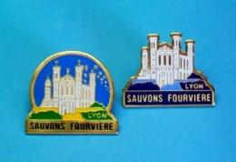 2 PIN'S //  ** SAUVONS FOURVIÈRE / LYON ** - Associations