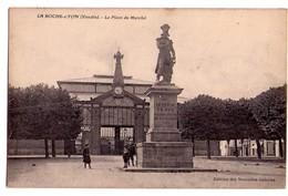 2065 - La Roche Sur Yon ( 85 ) - La Place Du Marché - éd. Des Nouvelles-Galeries - - La Roche Sur Yon