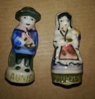 COUPLE DES REGIONS - HOMME FEMME - AUNIS - FEVES BRILLANTES - Regions