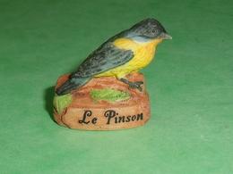 """Fèves / Animaux / Oiseaux : Le Pinson  """" Mat """"      TB110E - Animals"""