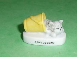 """Fèves / Animaux / Chats : Chat Dans Le Seau  """" Mat """"   T94 - Animals"""