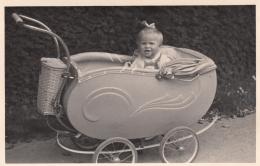 AK - Alter Kinderwagen - In Den Kriegsjahren - 1940 - Kinder