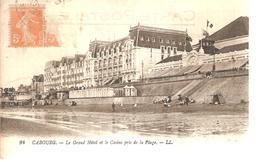 14 - Cabourg , Le Grand Hôtel Pris De La Plage - Cabourg