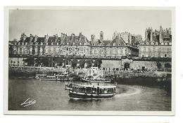 35/ ILLE Et VILAINE... SAINT MALO.Cale Et Porte De Dinan. Maisons Des Corsaires Dominant Les Remparts. Vedettes Partant - Saint Malo
