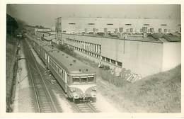 58 : Decize Photo Train Devant Usine Kleber Ligne Chagny Nevers Chemin De Fer - Decize
