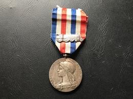 Medaille D'Honneur Des Chemins De Fer  1937 Echelon Argent - France