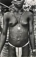 Cote D'Ivoire Jeune Fille Seins Nus Scarification Semi Moderne - Elfenbeinküste