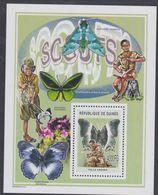 Guinée BF N° 299 Scoutisme Et Nature : Scout  Et  Papillon, Le Bloc Sans Charnière, TB - Guinea (1958-...)