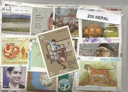 Lot De 200 Timbres Du Nepal - Népal