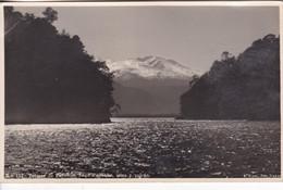 TERMAS DE PUYEHUE. LAGO PUYEHUE, ISLAS Y VOLCAN. E KARL PRO VARAS. CHILE. CIRCA 1950's- BLEUP - Chili