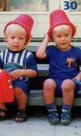 TARJETA TELEFONICA DE DINAMARCA. TDD028, Two Happy Boys (012) - Dinamarca