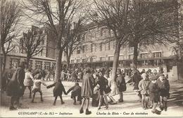(BRETAGNE)(22  COTES DU NORD)(GUINGAMP )( ECOLES ) INSTITUTION  CHARLES DE BLOIS . COUR DE RECREATION - Guingamp