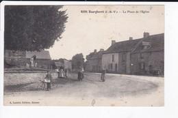 BOURGBARRE - LA PLACE DE L'EGLISE - 35 - France