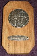 Notre Dame De Lourdes - Blessed Virgin Mary Antique Wooden Plaque With Medal - Religion & Esotericism