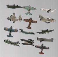 PIN'S AVIONS..AVION DE CHASSE..BIPLAN..ETC... - Airplanes