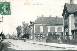 N°63625 -cpa La Fère -gendarmerie- - Police - Gendarmerie
