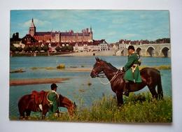 45 - Cpsm Grand Format - GIEN - Le Chateau Et Le Pont Sur La LOIRE - Chevaux - Cor De Chasse - Gien