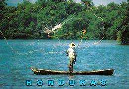 1 AK Honduras * Fisherman On The Tornabe Lagoon - Diese Lagune Liegt Bei Der Stadt Tela * - Honduras
