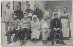 CARTE PHOTO - MILITARIA  -  Hopital Militaire - 6ème , 11ème  Régiments - A Identifier - Oorlog 1914-18