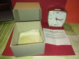 VINTAGE RÉVEIL MÉCANIQUE 1968 MELISSA SAMARITAINE PARIS Avec Boite D'origine Et Garantie Fonctionne Heure Et Sonnerie - Alarm Clocks