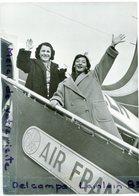 - Photo De Presse - Original, Juliette GRECO, Mado ROBIN,AIR FRANCE, Vont Chanter Sur La Côte D'Azur, 21-07-1952, Scans. - Famous People