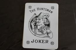 Playing Cards / Carte A Jouer / 1 Dos De Cartes Avec Publicité / Joker - The World Joker .- The Huntsman - Cartes à Jouer