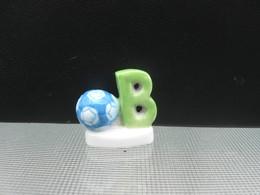 Fève B Comme Ballon - Série L' Abécédaire Des Jouets  Année 2001 * Fèves - Rare T Perso - Charms