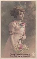 CARTE FANTAISIE . CPA . PORTRAIT DE FEMME. GUERRE 1914- 18 . ANNEE 1915 + TEXTE - Femmes