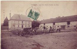 02 VIERZY La Cour De La Ferme Du Bas - France
