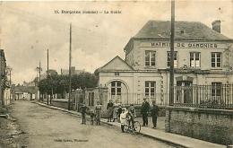 Dargnies. La Mairie & La Poste   2  Cartes - Autres Communes